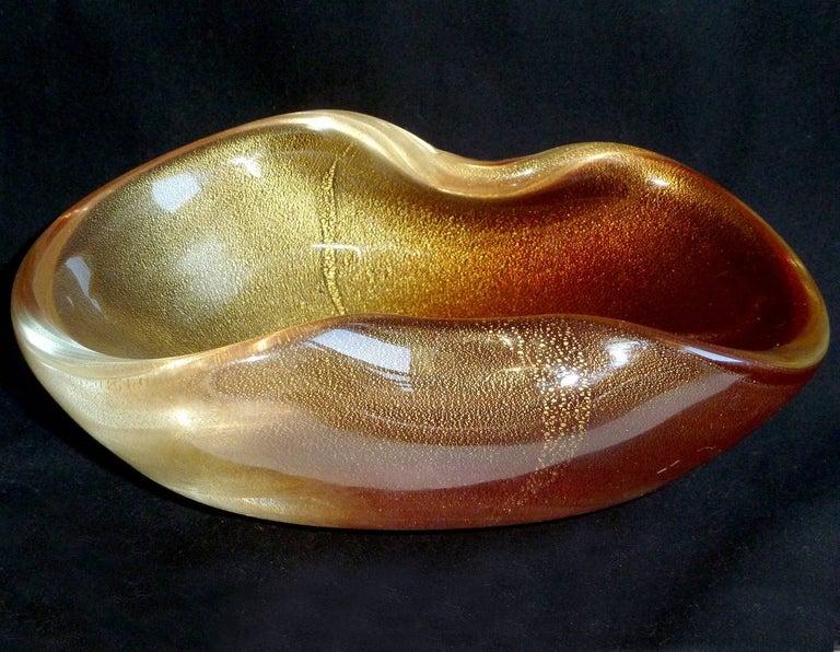 Archimede Seguso Murano Rust Red Gold Flecks Italian Art Glass Decorative Bowl In Good Condition For Sale In Kissimmee, FL