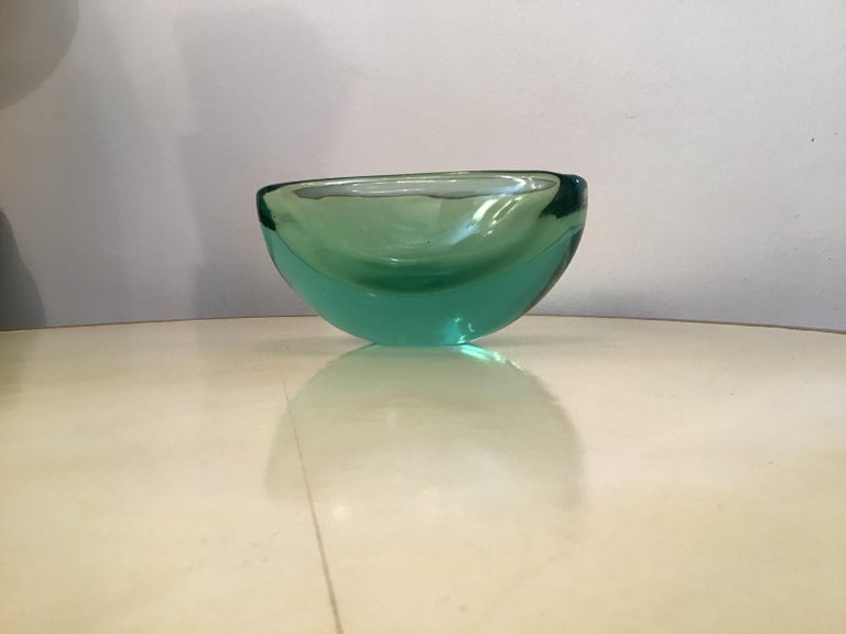 Archimede Seguso oval bowl green submerged glass centrepiece, 1950.