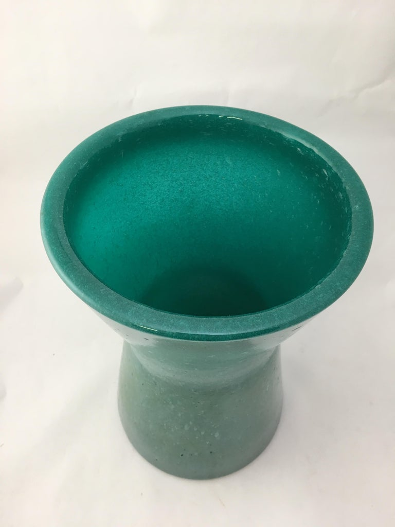 Archimede Seguso Teal Pulegoso Hour Glass Vase In Excellent Condition For Sale In Garnerville, NY