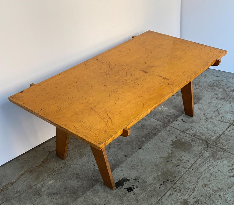 Mid-Century Modern Architectonic Cut Plywood Midcentury Cocktail Table For Sale