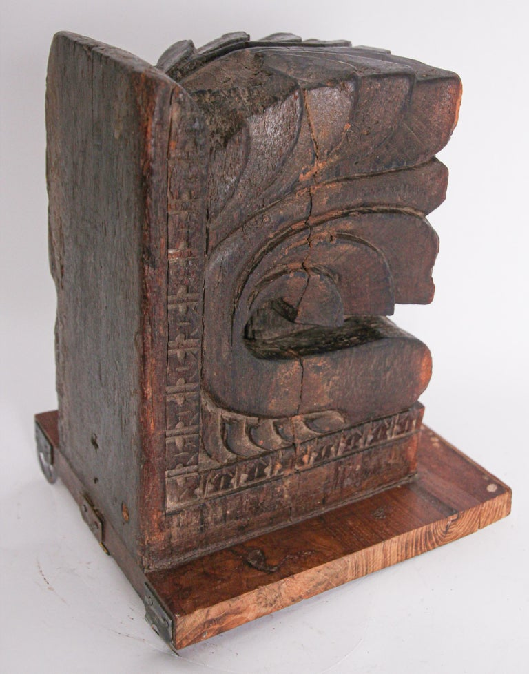 Architectural Hindu Temple Carved Wood Fragment from India For Sale 6