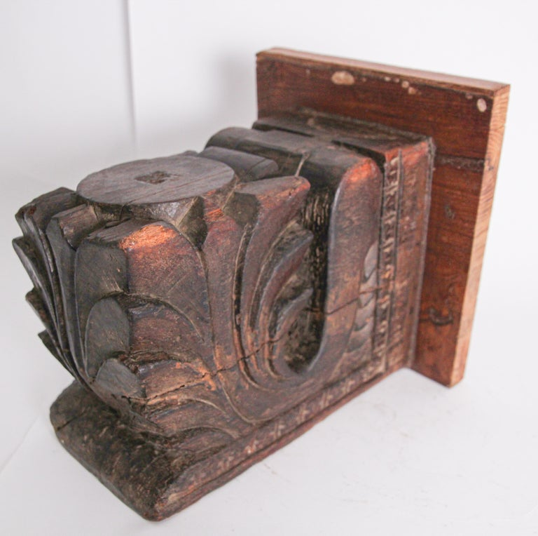 Architectural Hindu Temple Carved Wood Fragment from India For Sale 7