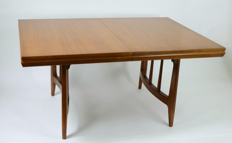 Mid-Century Modern Architectural Mid Century Dining Table For Sale