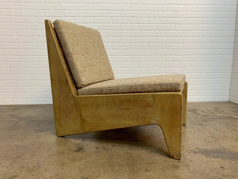 Architectural Modernist Slipper Chair For Sale 4