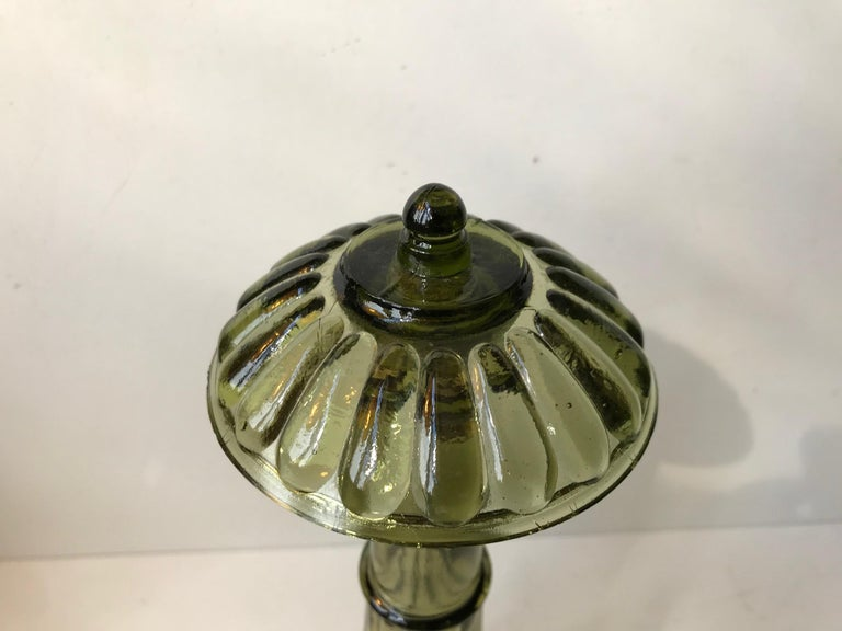 Architectural Olive Green Glass Decanter from Empoli, Italy, 1970s In Good Condition For Sale In Esbjerg, DK