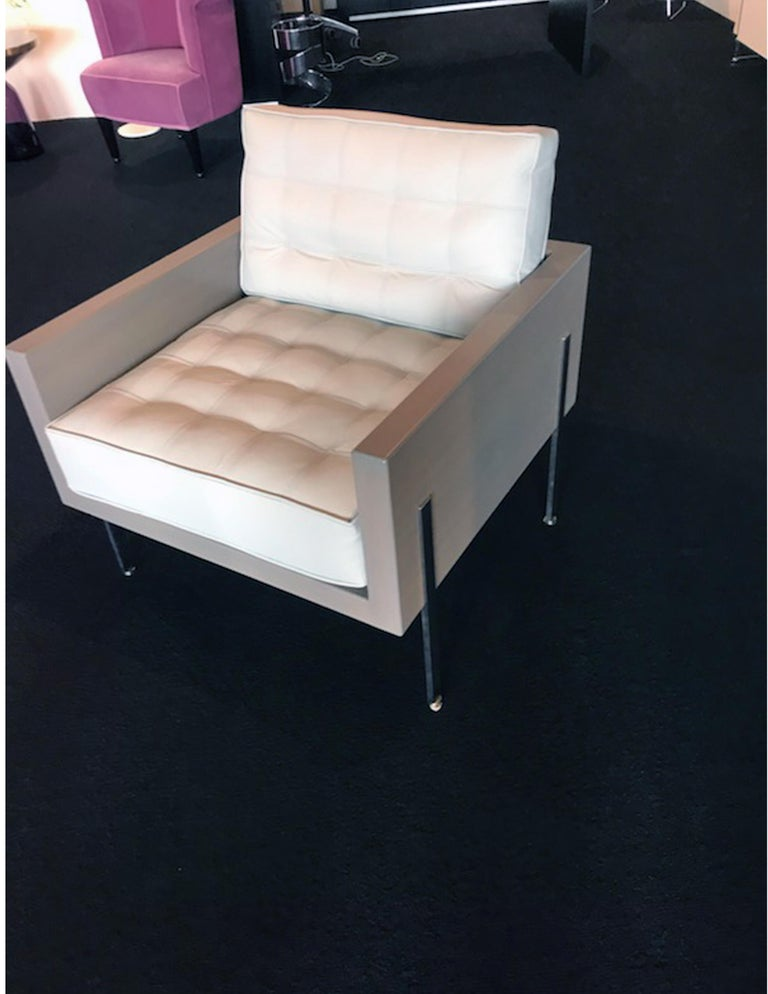 Architectural Series lounge chair in leather designed by Harvey Probber  In Excellent Condition For Sale In New York, NY