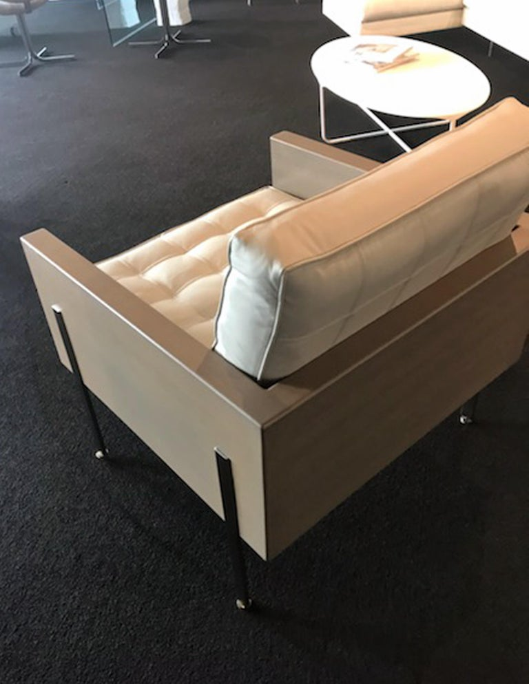 Contemporary Architectural Series lounge chair in leather designed by Harvey Probber  For Sale