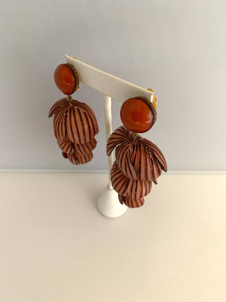Architectural Two-tone Pink Rose Color Flower Statement Earrings In New Condition For Sale In Palm Springs, CA