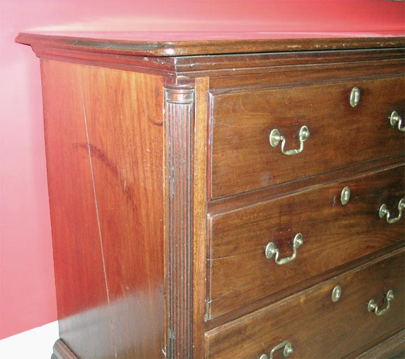 George iii mahogany linen chest at 1stdibs for Housse causeuse linen chest