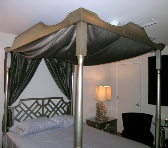 Elegant leafed queen size canopy bed at 1stdibs for Elegant canopy bedroom sets