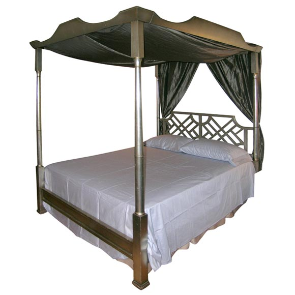 Elegant Leafed Queen Size Canopy Bed At 1stdibs