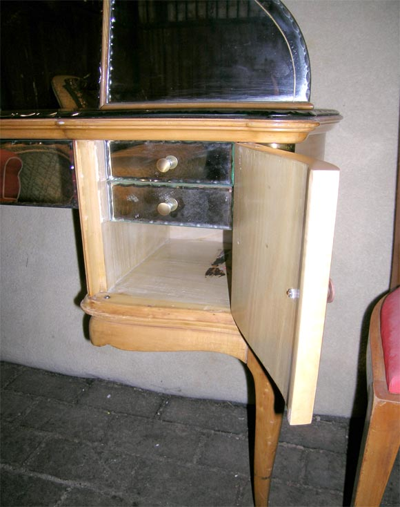 French Sycamore Dressing Table and Chair For Sale 1