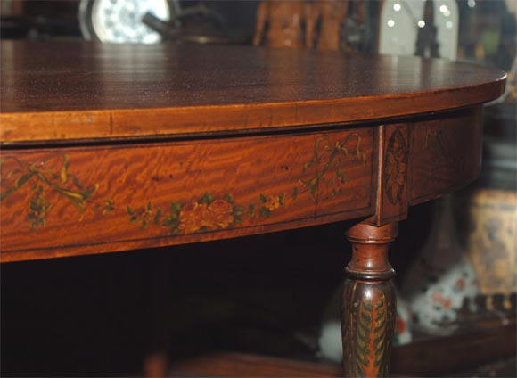 19th Century French Satinwood Oval Table For Sale 1