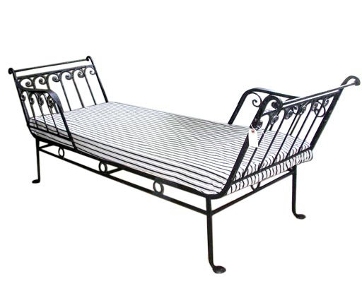 wrought iron tete a tete lounge at 1stdibs. Black Bedroom Furniture Sets. Home Design Ideas