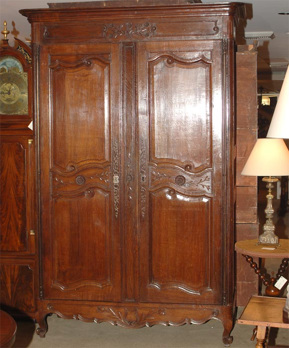louis xvi armoire at 1stdibs. Black Bedroom Furniture Sets. Home Design Ideas