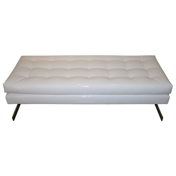 White upholstered bench at 1stdibs White upholstered bench