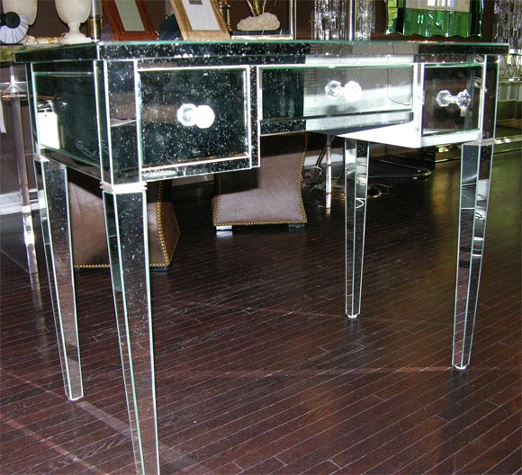 Classic Modern Mirrored Desk In New Condition For Sale In New York, NY