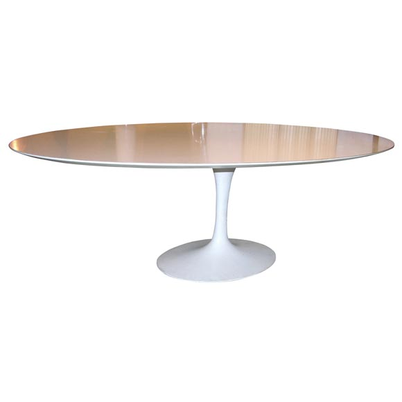 Table knoll ovale saarinen for Table knoll ovale marbre blanc