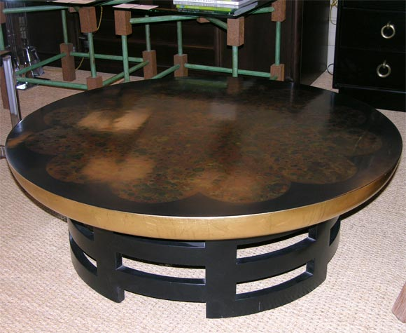 Round black lacqured and gold leaf cocktail table by for Black round table with leaf