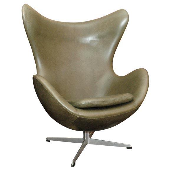 danish egg chair by arne jacobsen at 1stdibs. Black Bedroom Furniture Sets. Home Design Ideas