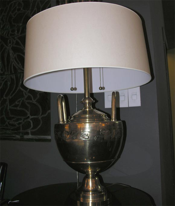Bronze Art Deco Table Lamp by Caldwell In Excellent Condition For Sale In New York, NY