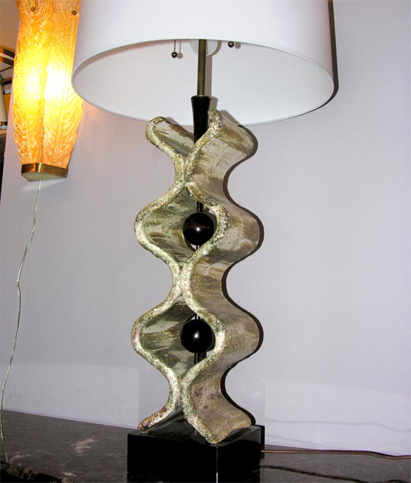 Mid-20th Century 1950s Italian Sculptural Table Lamp For Sale