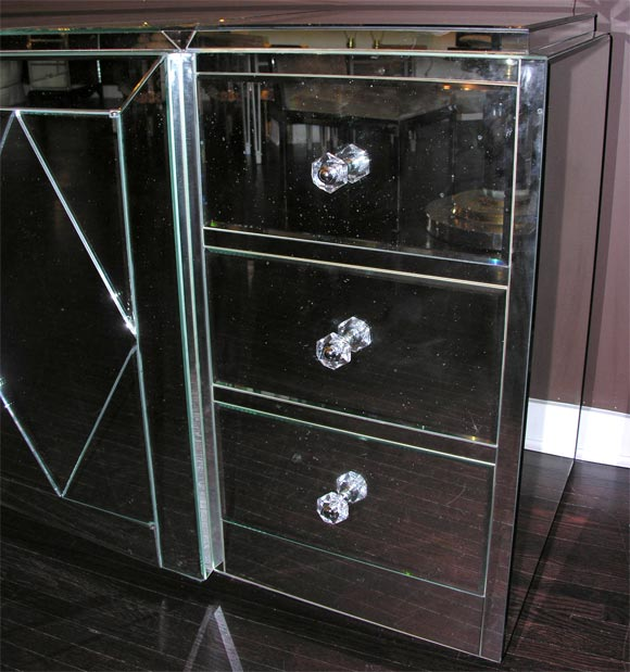 Custom Mirrored Dresser In Excellent Condition For Sale In New York, NY