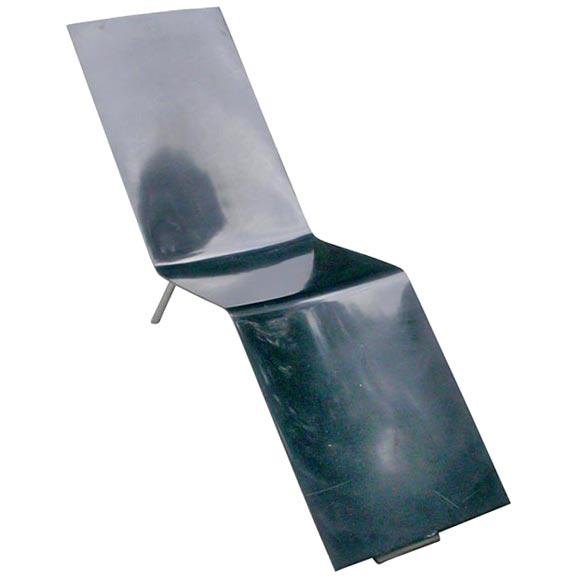 martin von sevverrin 39 s black rubber chaise lounge at 1stdibs. Black Bedroom Furniture Sets. Home Design Ideas