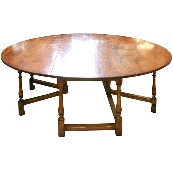 Round custom dining table at 1stdibs for Unique round dining room tables
