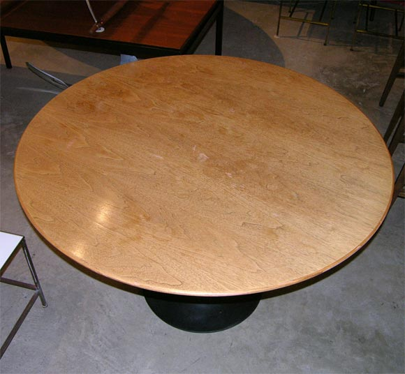 Eero Saarinen wood topped tulip dining table, mfg. Knoll 3