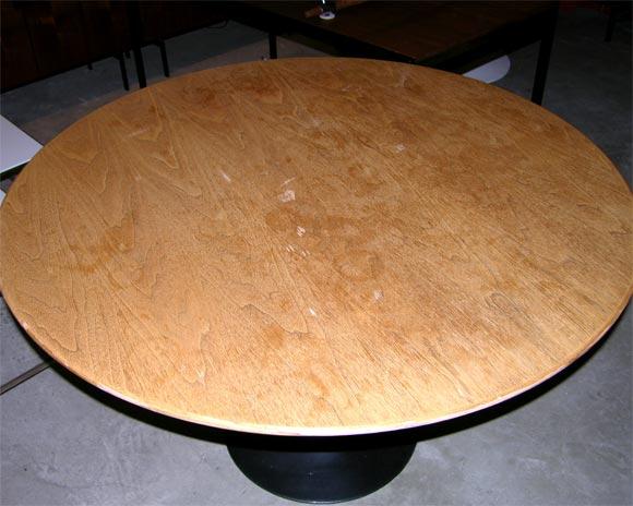 Eero Saarinen wood topped tulip dining table, mfg. Knoll 5