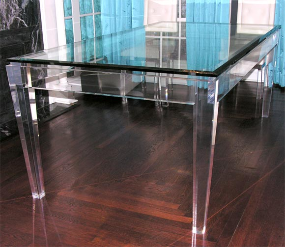 Charmant American Acrylic And Glass Dining Table For Sale