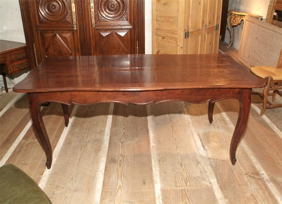 French Oak Cabriole Leg Dining Table 2