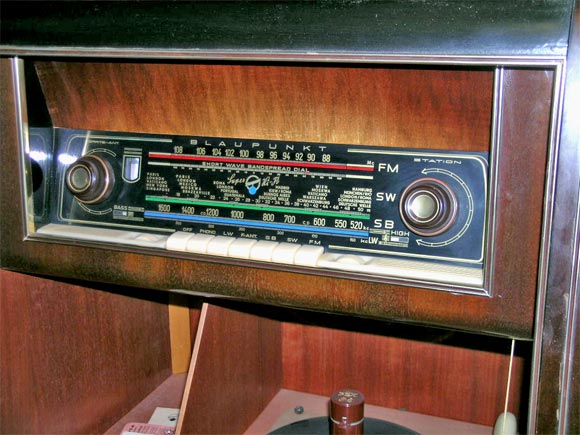 1950 S Console And Record Player At 1stdibs