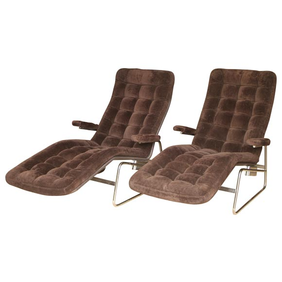 Chic pair of mid century chaise lounge chairs at 1stdibs for Century furniture chaise lounge