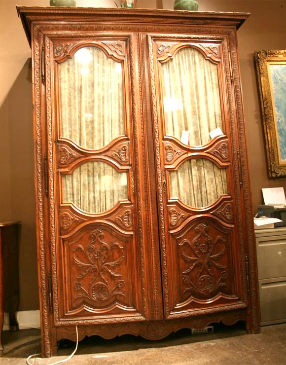 18th century louis xiv armoire at 1stdibs. Black Bedroom Furniture Sets. Home Design Ideas