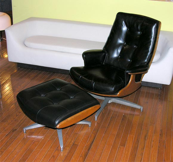 American Heywood Wakefield Lounge Chair and Ottoman For Sale & Heywood Wakefield Lounge Chair and Ottoman at 1stdibs