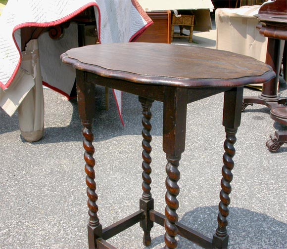 English Oval Oak Spindle Leg Side Table For Sale