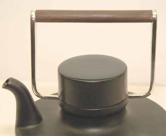 """Porcelain Noire"" Teapot by Tapio Wirkkala 5"
