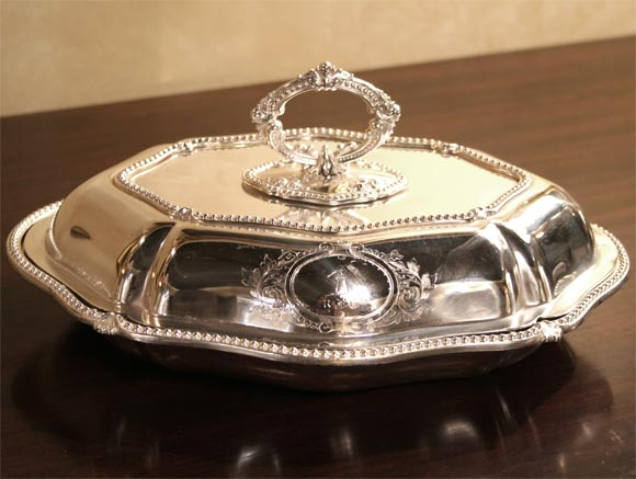 Pair of Sheffield Serving Dishes In Excellent Condition For Sale In Buchanan, MI