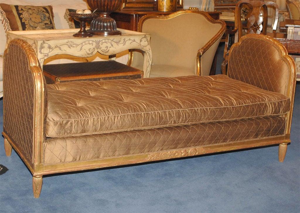 art deco carved giltwood lit de repos at 1stdibs. Black Bedroom Furniture Sets. Home Design Ideas