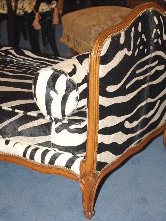 Louis xv style zebra upholstered lit de repos at 1stdibs for Lit louis xv