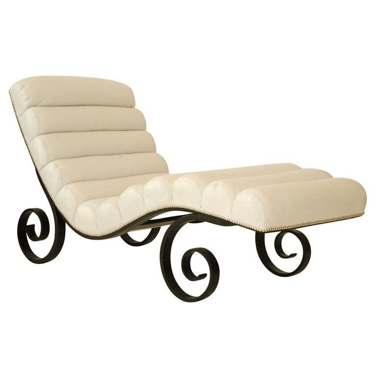 A bentwood and leather upholstered chaise at 1stdibs for Chaise bentwood