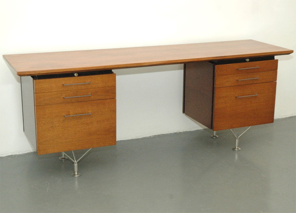 Stow Davis Kneehole Credenza At 1stdibs