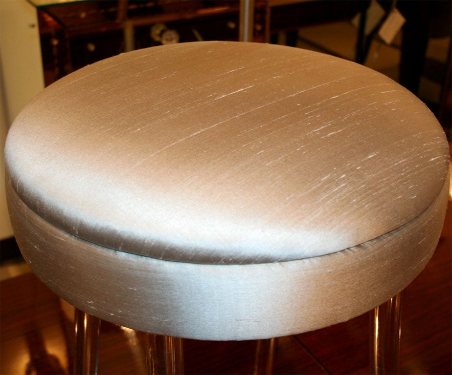 Hollywood Lucite Vanity Stool With Swivel Seat At 1stdibs