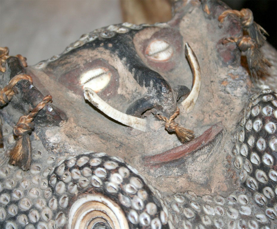 Rare Inlaid Crocodile Head from Papua New Guinea 1