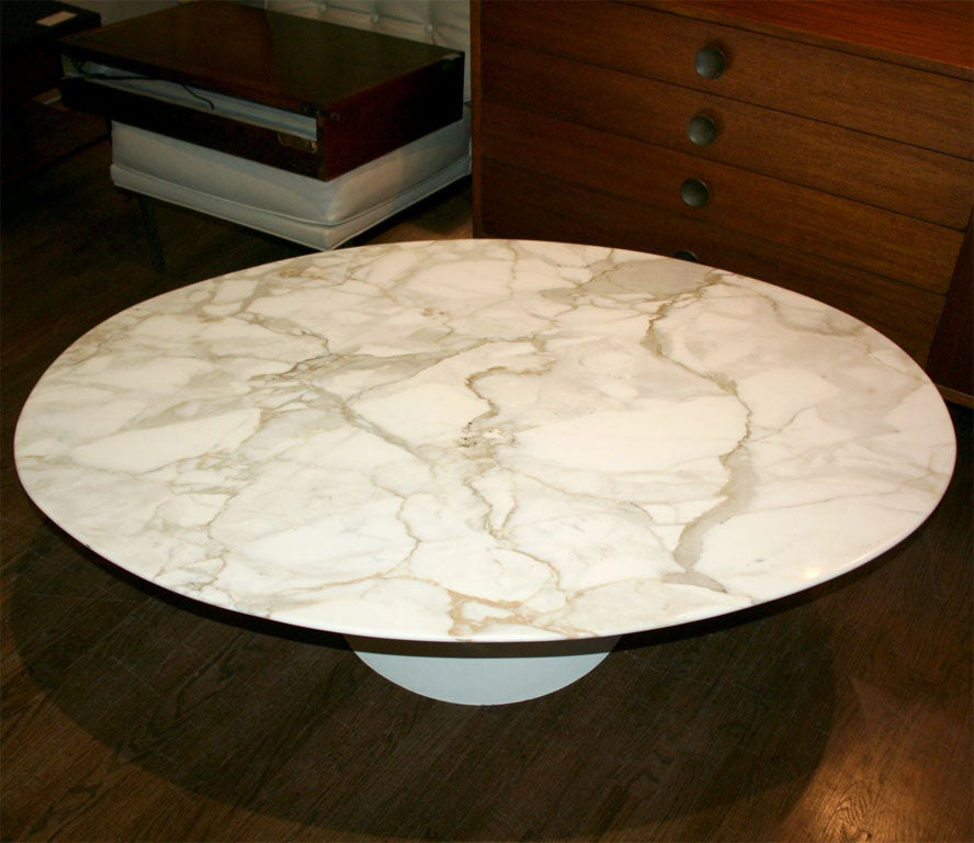 Knoll White Carrera Oval Marble Saarinen Coffee Table At 1stdibs
