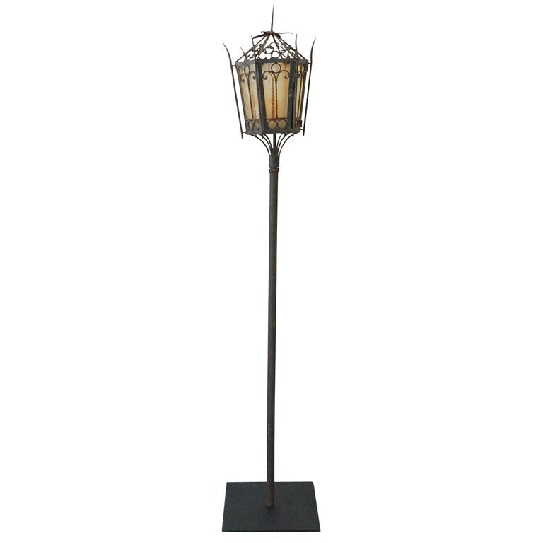 19thc cast iron street lamp from new england at 1stdibs for Chair table lamp yonge st