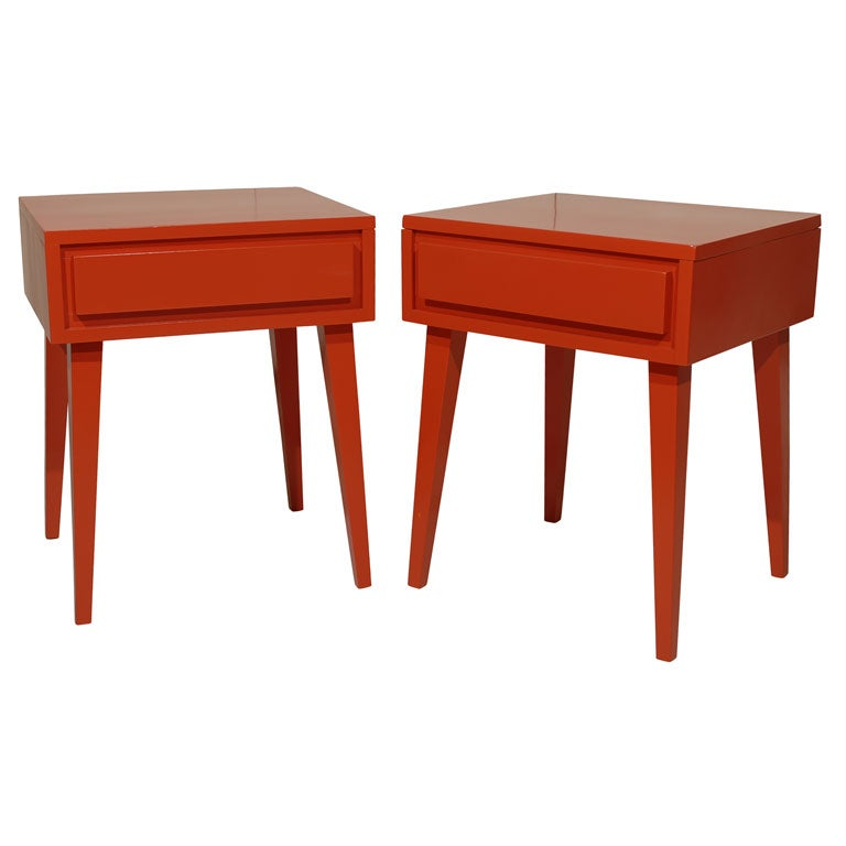Pair Of Modern End Tables At 1stdibs
