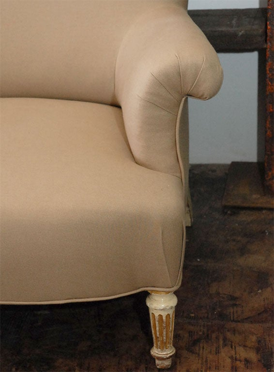 19th Century Period Napoleon III Painted Leg Small Marquise Settee For Sale
